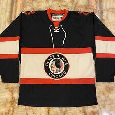 Men's Vintage Ccm Nhl Chicago Blackhawks Embroidered Hockey Jersey Size Medium