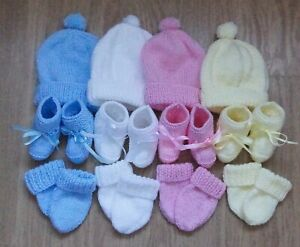 HAND KNITTED BABY HAT MITTENS AND BOOTEES SET GIFT BABY SHOWER 0-3 MONTHS