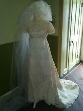 Vintage BoHo Lace Embroidered Cream Crochet Lace Hippie Wedding Dress Gown Veil