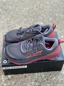Altra Footwear Paradigm 5 Gray Coral Port Size 9 Women's Running