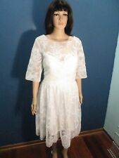 XL white LACE COVERED LINED SATIN WEDDING dress unbranded