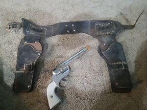 Vintage Mattel Fanner 50 Cap Gun Pistol Belt with 2 Holsters Leather Wagon Train