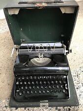 Antik Selten Sammlerstück mit Koffer Schreibmaschine Olympia Progress