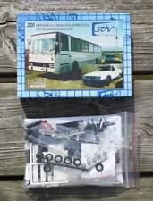 Renntransporter Karosa Bus B-731 + Skoda Pick-up Free Style - 1:87 Bausatz
