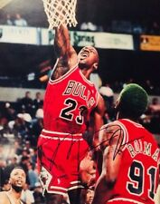 Michael Jordan-Autograph Photo w/COA ((SICK PHOTO))