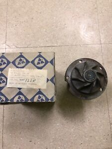 NOS WATER PUMP MERCEDES 190