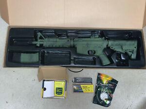 CAA M4 SL Airsoft/Softair Gewehr (0,5J) mit Akku, Ladegerät und weiterem Zubehör