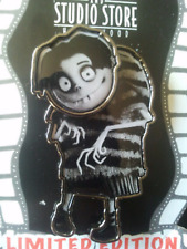 RARE Disney Pin 92223 DSF Frankenweenie Edgar Tim Burton Film Animation LE 300 *