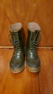 Vintage Men's HODGMAN A-88 Insulated Green Rubber Boots  Size 8 Fishing Winter