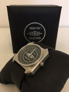Rare Limited Edition Fallout Vault-Tec Industries Single Rotation Watch 595/1500