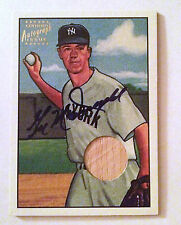 Gil McDougald Bowman's Certified Autograph Issue Bat Card 18 of 25