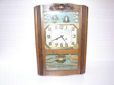 Joli ancien carillon ODO avec automate sonnant une cloche