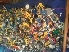 LEGO 1 kg Sammlung Konvolut Kiloware Spezialsteine Platten Räder Basic 2 Figuren