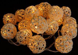 Rattan Ball LED Lichterkette Handarbeit 2,5 Meter 20 Rattanbälle Kugel