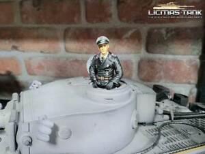 1:16 Figur bemalt für Panzer Modelle deutsche Panzerbesatzung Kommandant F1012H