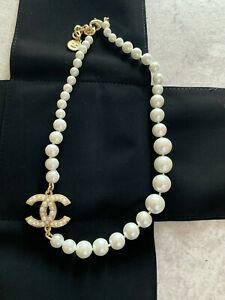 CHANEL Anniversary Classic 1 CC loge Pearl Necklace