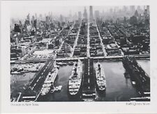 """*Postcard-""""RMS Queen Mary (Huge Linder) Docked in New York""""  (A81-2)"""