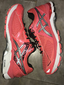 Ladies Asics 2000 Trainers In Coral Size 7.5 Eu 41.5 RRP £80+ Worn Once