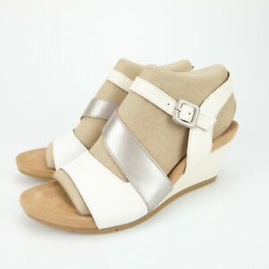 COMFORTIVA Womens Comfort Wedge Sandals White Silver Leather Size 9.5 Wide