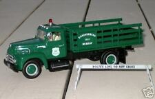 NYPD - PDNY 1957 INTERNATIONAL R190 - EB (OLD BARRIER TRUCK) - FIRST GEAR