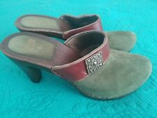 Italian Shoemakers Clogs Heels 3 inch Suede Olive Green Size 9