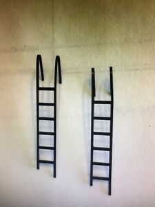 """Athearn HO Caboose """"Blue Box Kit"""" Parts - PART #12504 Metal Ladders - 1 Pair"""