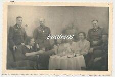 Foto Offiziere-Wehrmacht mit Orden  2.WK (d623)