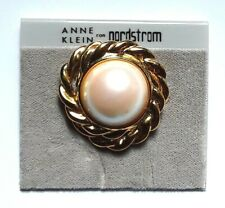 NWT Vintage Anne Klein Faux Pearl Gold Tone Round Scarf Clip NEW NOS