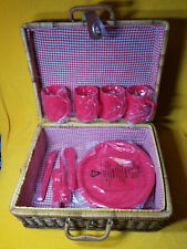 VINTAGE WICKER PICNIC BASKET SERVES 4 RED PLATES CUPS ROMANTIC SUMMER OUTDOORS