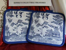 WHITE BLUE WILLOW TWO KITCHEN OVEN POT HOLDERS ORIENTAL CHINESE PAGODA JAPANESE
