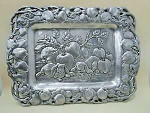BEAUTIFUL Vintage Arthur Court Apple & Rabbits Serving tray (1993)
