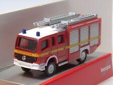 """Herpa Mercedes Atego HLF 20 """"Feuerwehr"""", dekoriert - 066747 - 1:160"""