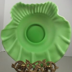 Vintage Lime Green & White Crimped Satin Glass Jack In The Pulpit Bride's Bowl