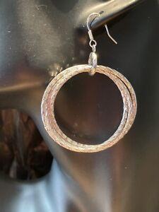Triple interlocking faceted silver tone ring earrings (pierced) E012
