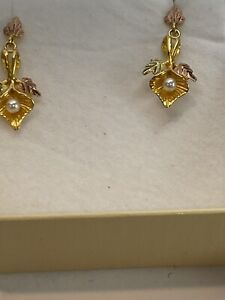 Black Hills Gold Two Tone 10k Gold and Pearl Lily Blossom Dangle Stud Earrings