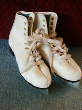 Youth White Canadian Royal Figure Ice Skates - Size 3 - suitable for Decor also