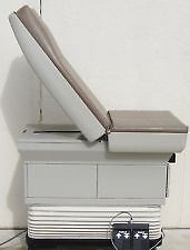 Midmark 405  Power Exam Table w/foot control  Free shipping to Chicagoland