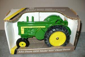 1/16 1956 JOHN DEERE 820 Diesel Toy Tractor NIB Ertl