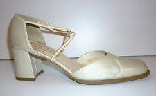 Occaz' : Chaussure de Mariage BEIGE Satiné à petit Talon 37