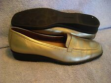 EASY SPIRIT Women's Shoes SIZE 8 B AA CHAMPAGNE GOLD LEATHER LOAFERS LN