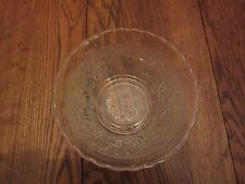 "CLEAR GLASS FLORAL SERVING BOWL - DAISY FLOWER DESIGN - 6 1/2"" DIAMETER"