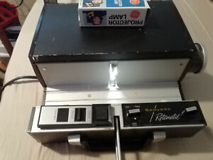 Vintage Sawyer's Rotomatic Model 700 Slide Projector With Extra Bulb