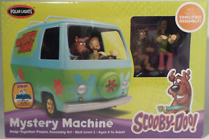 Polar Lights  Scooby - Doo Mystery Machine includes prepainted Scooby-doo and Sh