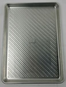 Chicago Metallic 5234607 Uncoated Textured Aluminum Small Cookie Sheet Small