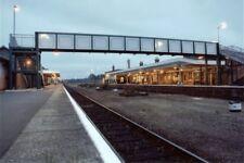 PHOTO  BOSTON RAILWAY STATION VIEW TOWARDS FOOTBRIDGE1990
