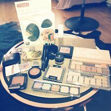 Beautypaket, Sammlung von Chanel, Estee Lauder, Douglas mit Gesichtsbürste