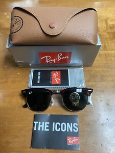 Ray-Ban RB3016 Clubmaster Unisex Sunglasses with Tortoise Frame Green Lenses