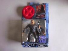 X-MEN THE MOVIE SABRETOOTH Toy Biz Action Figure TYLER MANE & GUARD 2000