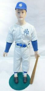 SPORTS IMPRESSIONS MICKEY MANTLE DOLL PORCELAIN FIGURINE