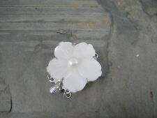 Triple strand Mother of Pearl Flower box clasp. Jewellery making. U K shop.